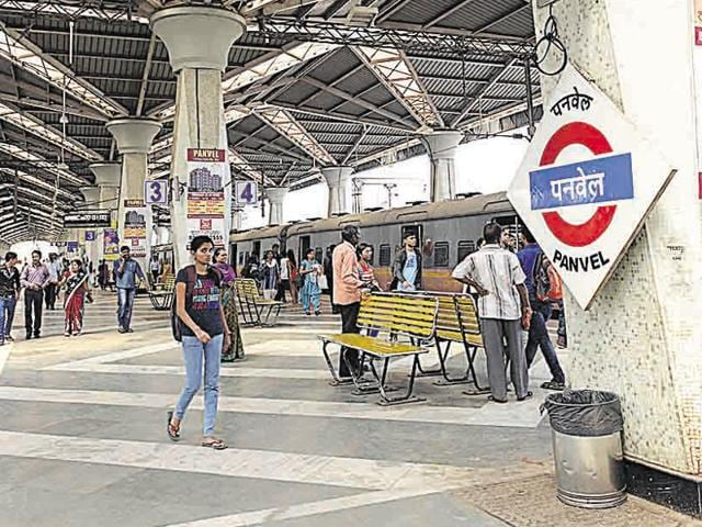 All services between Panvel and Chhatrapati Shivaji Terminus (CST) remained suspended from 11.30am to 3.30pm