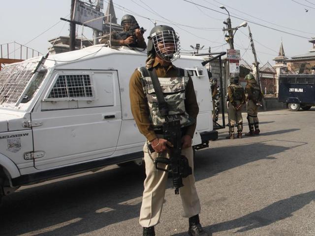 Kashmir unrest,J-K DGP,Burhan Wani
