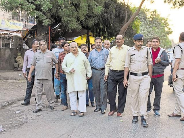 Advocate Anand Mohan Mathur (in kurta payjama) was put under house arrest in Indore on Saturday.