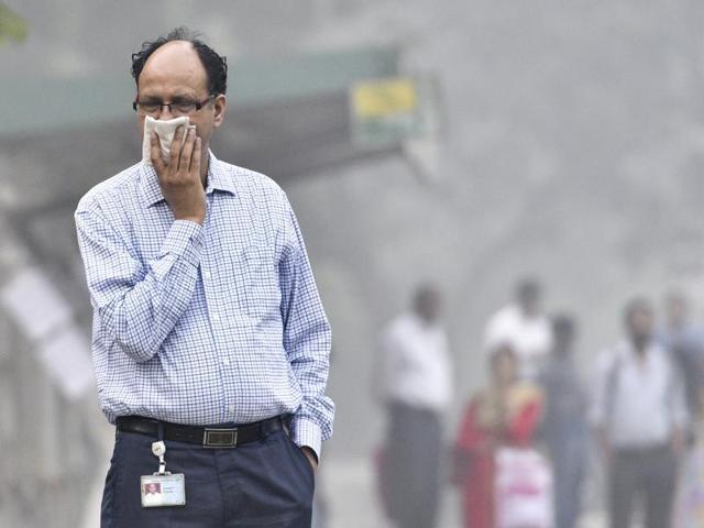 Delhi pollution: Government issues health advisory as smog chokes city