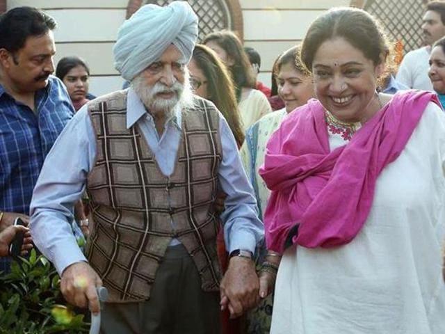 Thakhar Singh Sandhu,Kirron Kher,Anupam Kher