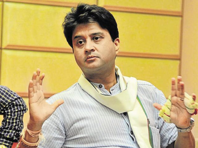 Jyotiraditya Scindia on Monday reached Shahdol constituency and started campaigning.