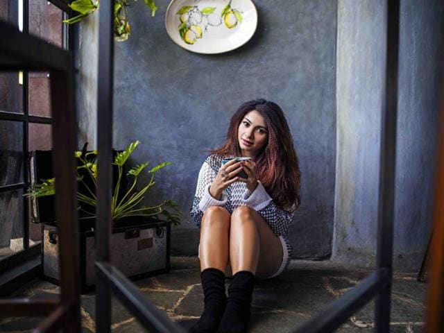 Actor Tanishaa Mukerji says she is concerned about Delhi pollution levels.