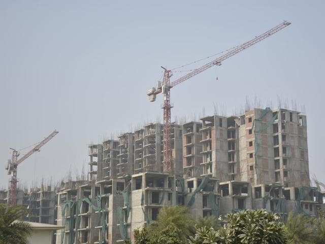 All construction activities, including those by Ghaziabad municipal corporation and the GDA, are to be stopped for a week.