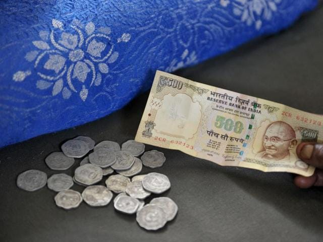 New Delhi: Rs 500 and Rs 1,000 notes, which will be discontinued from Tuesday midnight, as a step to curb black money