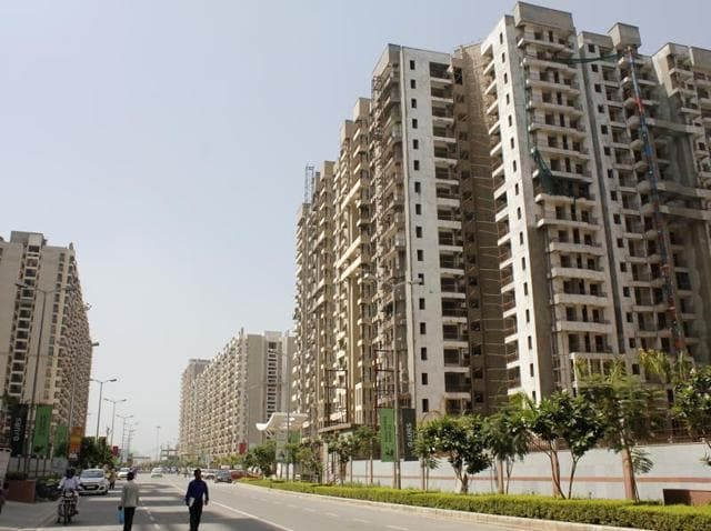 Real estate,Rs 500,Rs 1000