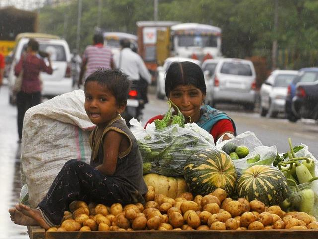 Traders at Azadpur mandi — the biggest vegetable and fruit hub in Delhi — said the retail traders could not get stocks of vegetables and fruits as the wholesalers refused to accept Rs 500 and Rs 1,000 note.