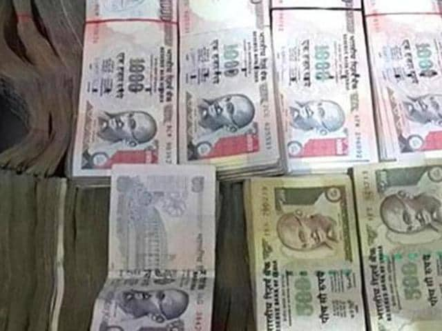 Collecting coins and currency notes are both a hobby and an investment option with some.