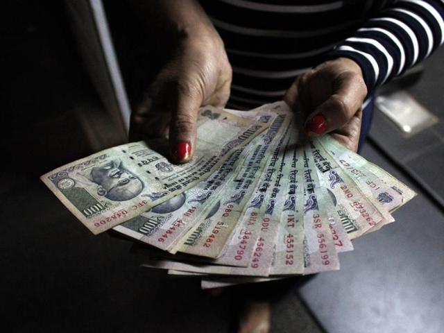 The agricultural officer with the Mohol Panchayat Samiti in Solapur insisted he would accept Rs 2,500 from a person in denomination of Rs 100 only.