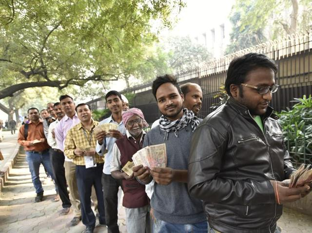 A long queue in front of the Reserve Bank of India at Parliament Street in New Delhi.