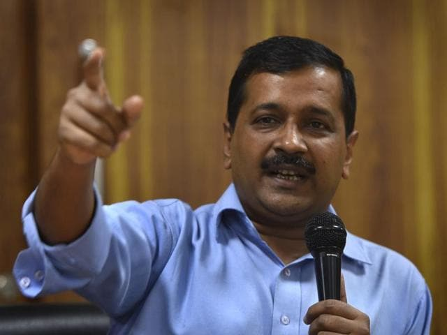 Delhi CM Arvind Kejriwal hit out at Narendra Modi whose picture appeared in a Paytm advertisement.(Sushil Kumar/HT File Photo)