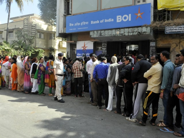 Indore,banks,banning of currency notes