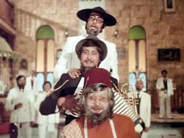 Amitabh Bachchan's Amar Akbar Anthony returns to theatre ...