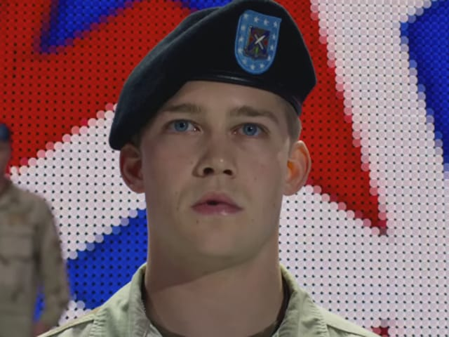 The movie follows young soldier Billy Lynn, portrayed by newcomer Joe Alwyn, who returns from Iraq with his squad in 2004 for a victory tour of the United States after being hailed as heroes.