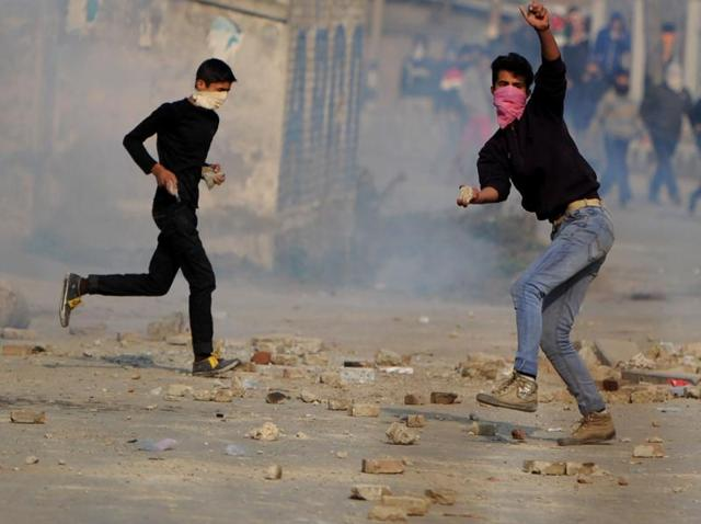 Demonetisation drives Kashmir Valley agitation into hawala dead-end