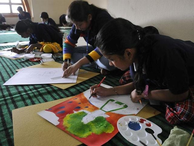"""A painting competition envisioned as a """"bridge"""" to connect India with Egyptian youths has attracted an unprecedented turnout of schoolchildren in several parts of Egypt."""