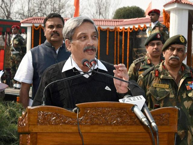 Defence minister Manohar Parikar addresses army personnel after paying tributes to the first Param Vir Chakra recipient Major Somnath Sharma on his 69th death anniversary in Budgam district of Thursday.