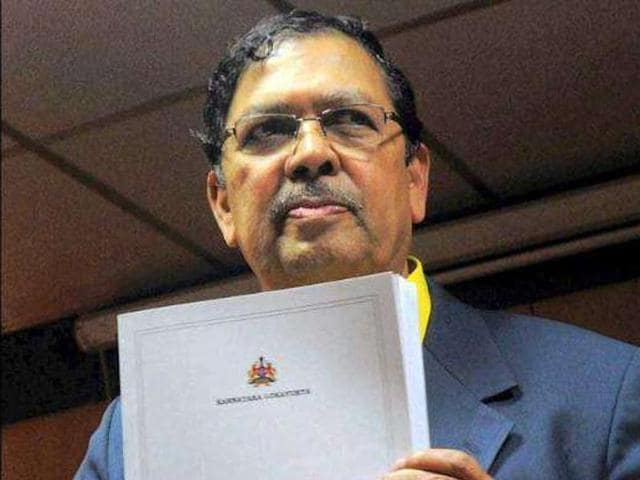 A key figure in the Anna Hazare-led India Against Corruption movement, Santosh Hegde said it would be a 'very good ide' to ban cash donations to political parties.