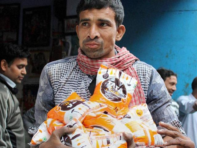 Rumours of salt shortage spread across several cities, leading to panicked buying by citizens. SOme traders made tidy profits by selling at a higher price.