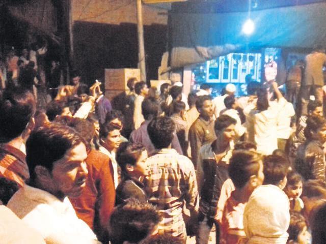 salt shortage,salt prices,clashes in delhi