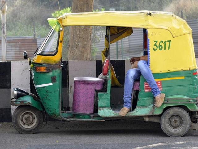 Noida,auto,queue