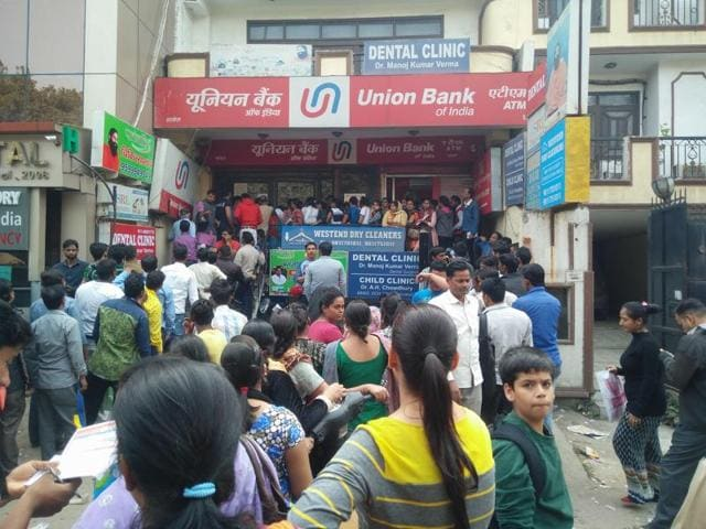 Cash crunch,Demonetisation,Scrapped currency