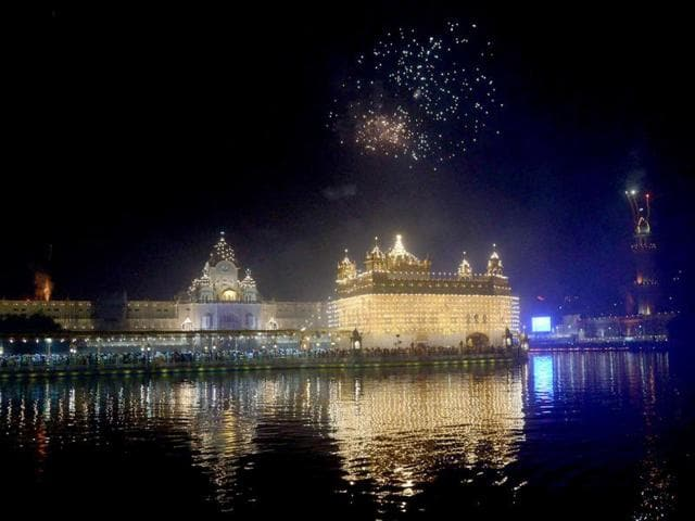 This year on Diwali, firecrackers were only used for 10 minutes.