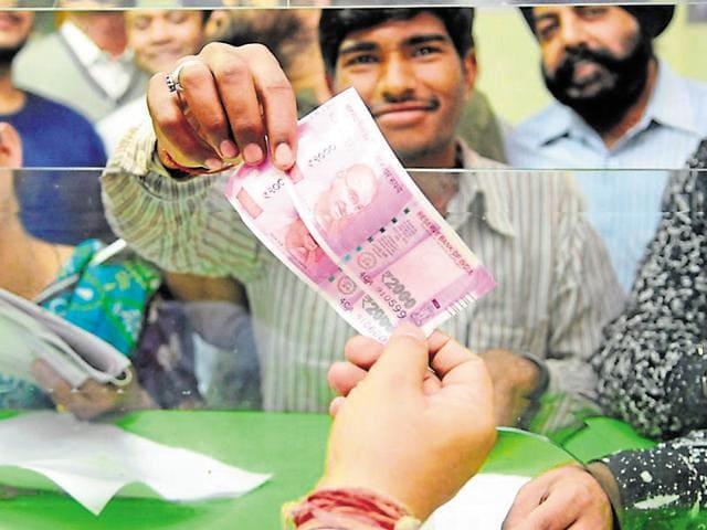 Karnataka,Farmer duped,Fake currency