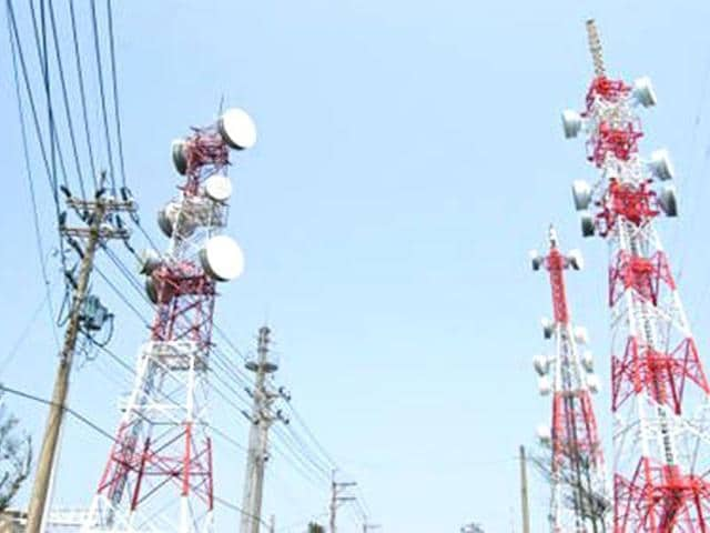 Jharkhand,Solar-powered mobile towers,Naxals