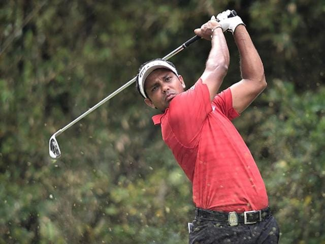 Shiv Chawrasia finished regulation play with a flawless six-under 66 to force his way into a three-way play-off after Fung and Chien had earlier set the clubhouse lead at 19-under 269.