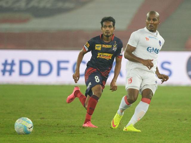 Indian Super League,Florent Malouda,Delhi Dynamos