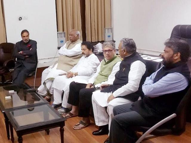 Leaders of Trinamool Congress, Rashtriya Janata Dal, Janata Dal United, Communist Party of India (Marxist), and YSR Congress met Leader of Opposition in Rajya Sabha, Ghulam Nabi Azad, in Parliament House in New Delhi on November 14, 2016.