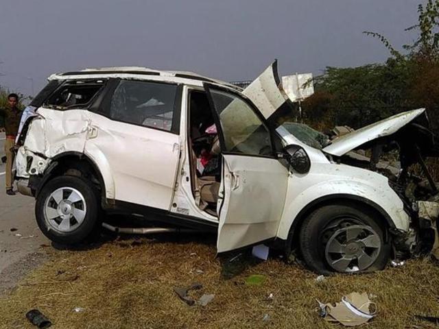 Yamuna Expressway accident,Greater Noida accident,Taj Mahal Agra