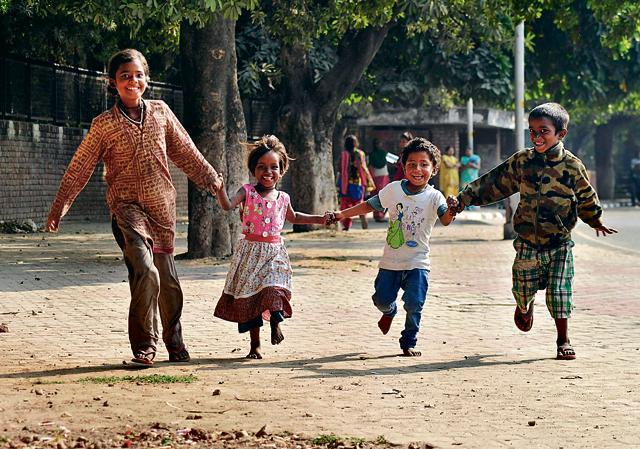 rag-picking,Jawaharlal Nehru,Children's Day