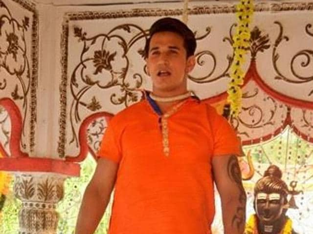 Prince Narula on sets of Badho Bahu during the suicide scene that went wrong.