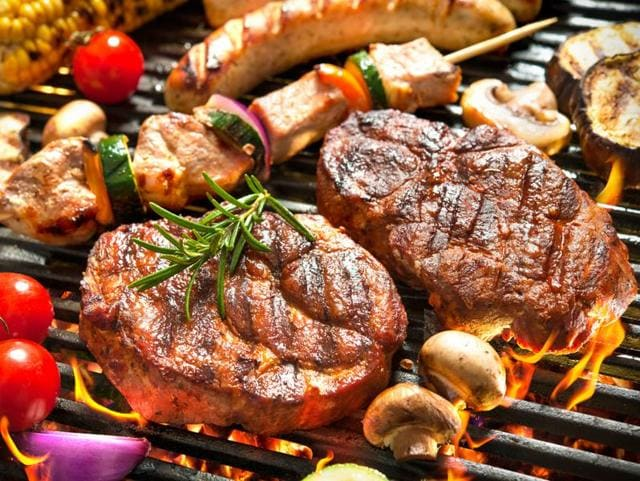 A diet high in protein from animal sources, including meat, has been found to be linked with heart failure in older women.