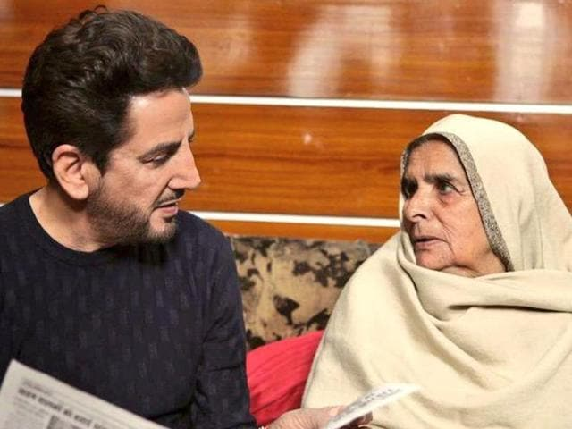Gurdas Maan with his mother, Tej Kaur, in a photo shared by him on his Twitter account last year.