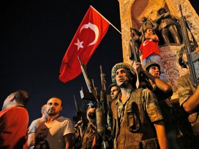Turkey is seeking to recruit more than 30,000 new personnel to fill shortfalls after thousands were kicked out of the army in the wake of the failed July coup.