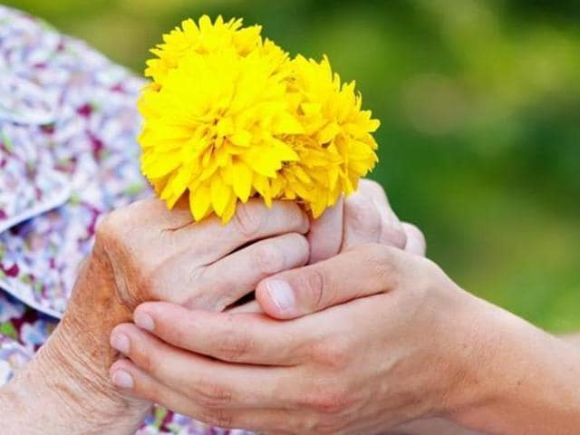 The risk of Alzheimer's disease can now be detected with a simple smell test.