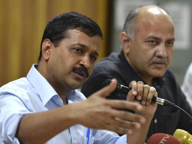 Delhi chief minister Arvind Kejriwal with deputy CM Manish Sisodia on November 14, 2016.