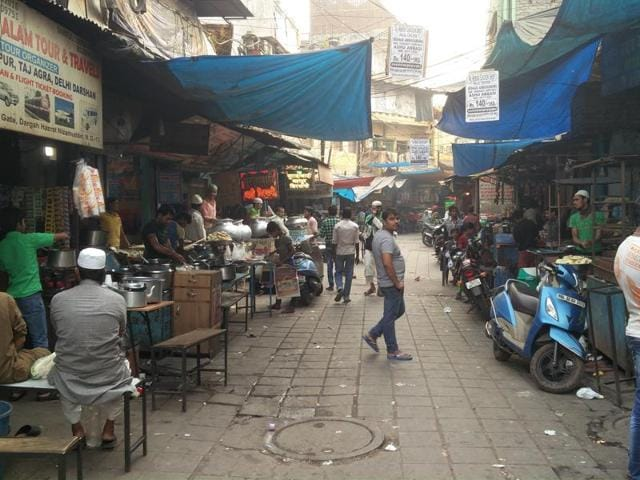 The food shacks in Chandni Chowk and Nizammuddin, where cheap yet tasty delicacies are available, have been witnessing minimal footfall.