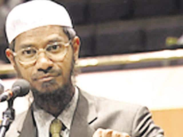 Televangelist Zakir Naik's IRF headquarter is located in Dongri and its activities were investigated on chief minister Devendra Fadnavis' orders.(File photo)