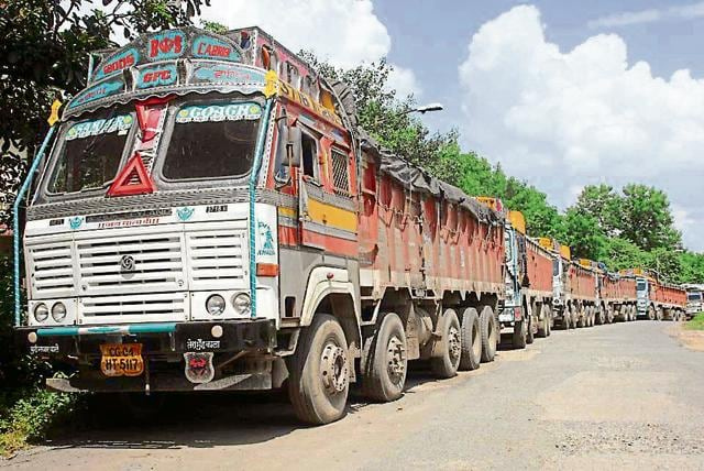 Truck operators in Delhi-NCR claimed that 50% of their 4.5 lakh trucks have come to a standstill.