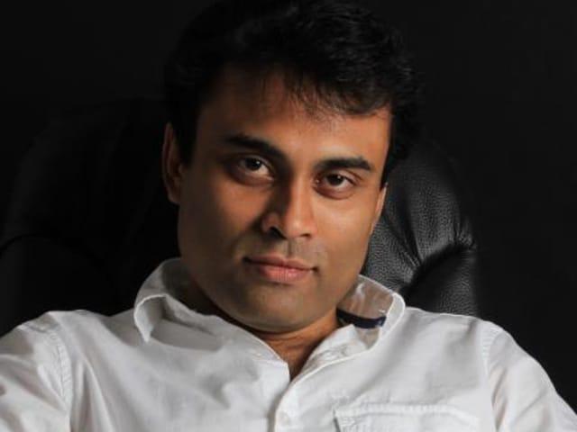 Amitabh Bhattacharya has written the lyrics for Aamir Khan's upcoming film Dangal.