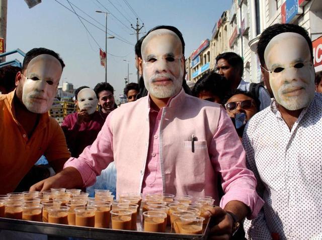 Along queue in front of Syndicate Bank near ITO, New Delhi, India, November 15, 2016