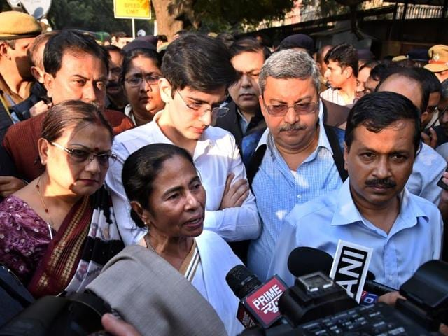 West Bengal chief minister Mamata Banerjee and his Delhi counterpart Arvind Kejriwal  during a protest rally outside the RBI office in New Delhi on Thursday.