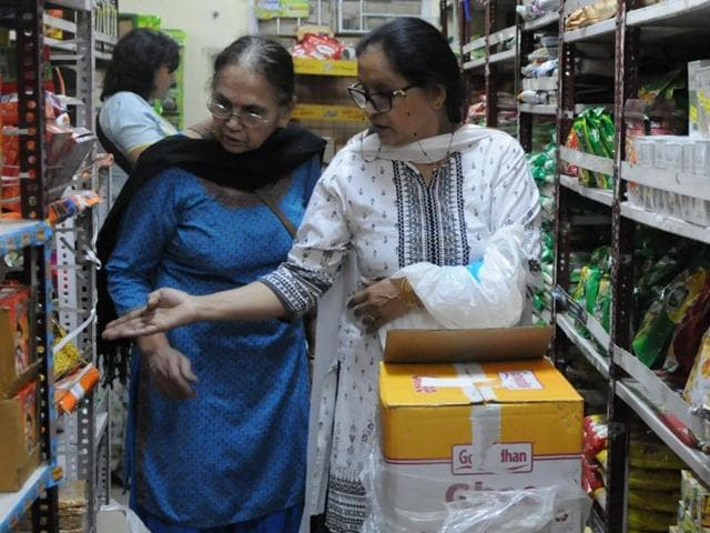 Residents said they are buying non-perishable items in bulk from stores such as those of Kendriya Bhandar, in order to exhaust demonetised currency.