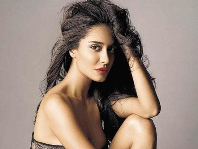 Lisa Haydon said that it is not just overweight people who get body shamed.