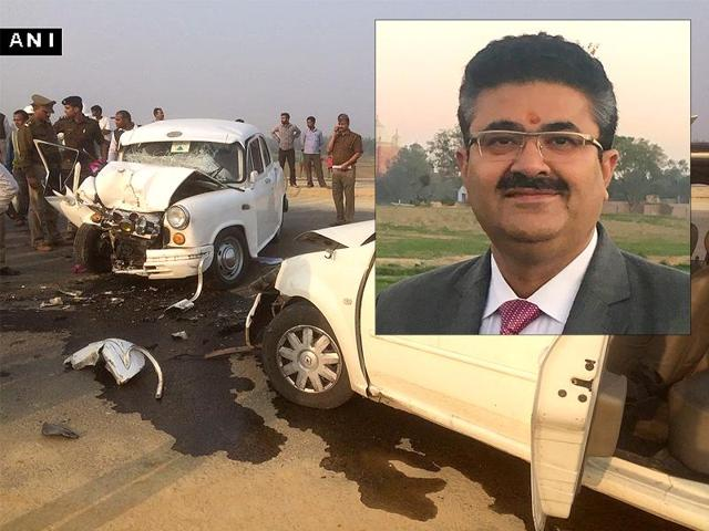 UPprincipal secretary (Information) Navneet Sehgal was injured when his car collided with another vehicle on Friday.