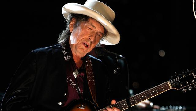 Bob Dylan took centrestage at a Lit Live discussion on whether songwriters should be considered poets.